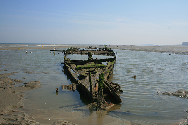 wreck-of-the-ss-devonia-at-dunkirk-small