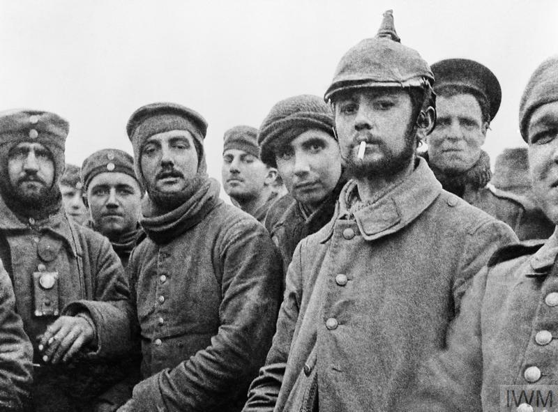 THE CHRISTMAS TRUCE, 1914 (Q 11745) British and German soldiers fraternising at Ploegsteert, Belgium